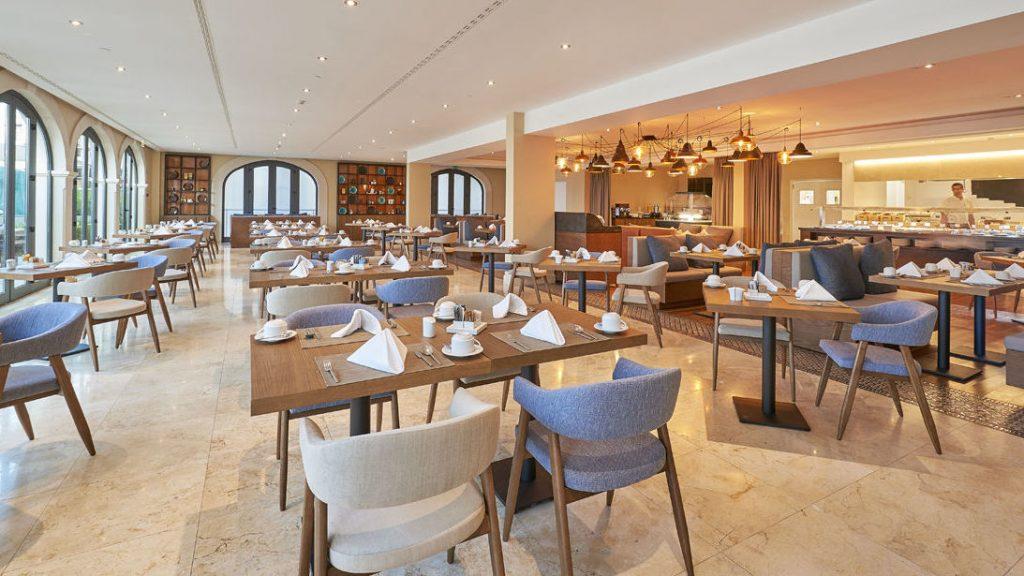 https://golftravelpeople.com/wp-content/uploads/2019/04/Cascade-Resort-Algarve-Restaurants-Food-Beverage-8-1024x576.jpg