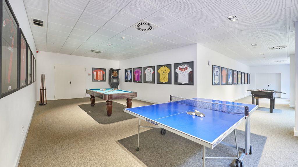 https://golftravelpeople.com/wp-content/uploads/2019/04/Cascade-Resort-Algarve-Sports-Facilities-5-1024x576.jpg