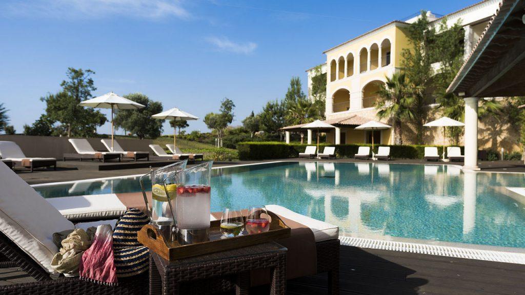 https://golftravelpeople.com/wp-content/uploads/2019/04/Cascade-Resort-Algarve-Swimming-Pools-1-1024x576.jpg