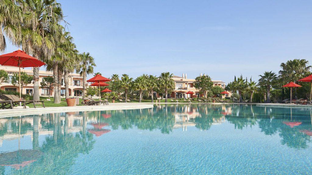 https://golftravelpeople.com/wp-content/uploads/2019/04/Cascade-Resort-Algarve-Swimming-Pools-3-1024x576.jpg