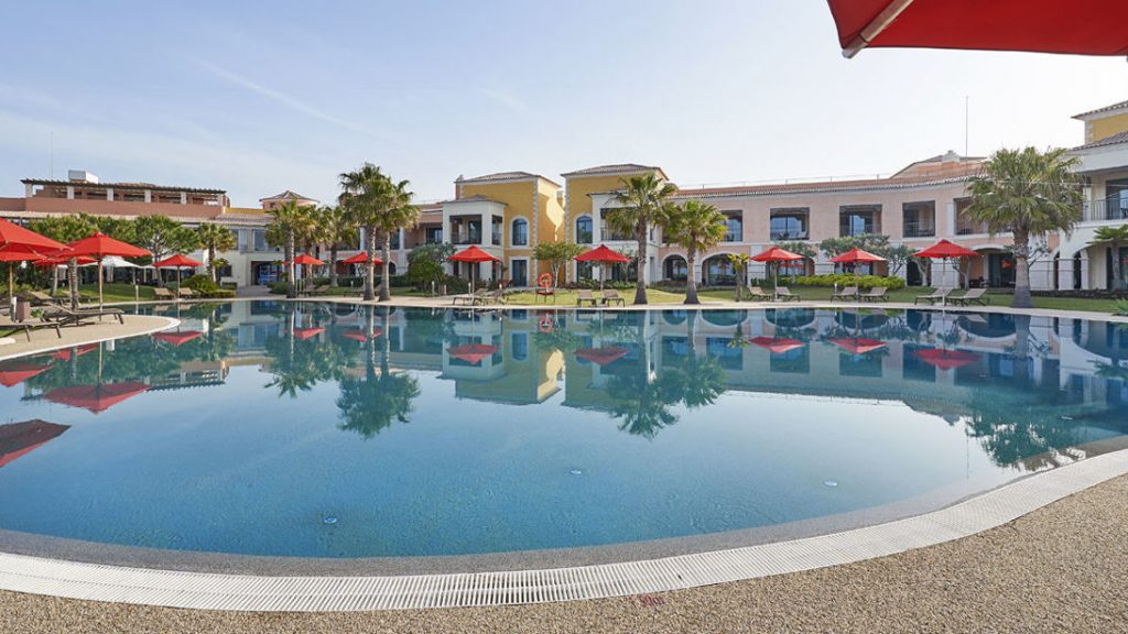 https://golftravelpeople.com/wp-content/uploads/2019/04/Cascade-Resort-Algarve-Swimming-Pools-6-1024x576.jpg
