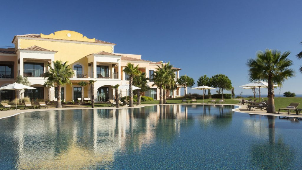 https://golftravelpeople.com/wp-content/uploads/2019/04/Cascade-Resort-Algarve-Swimming-Pools-8-1024x576.jpg