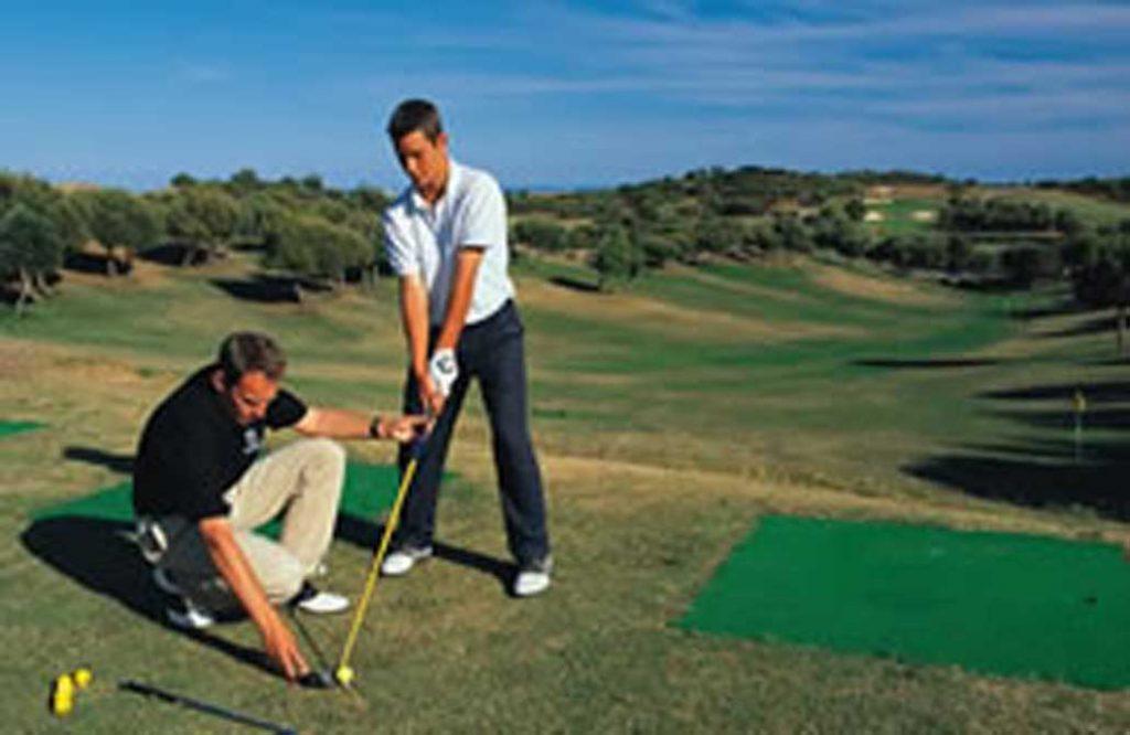 https://golftravelpeople.com/wp-content/uploads/2019/04/Castro-Marim-Golf-Club-1-1024x666.jpg