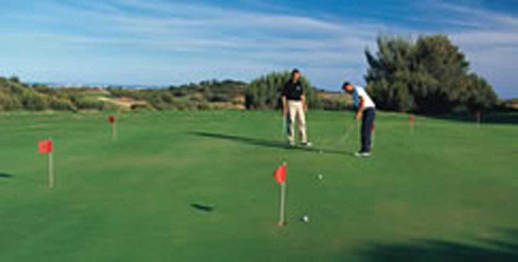 https://golftravelpeople.com/wp-content/uploads/2019/04/Castro-Marim-Golf-Club-11-1024x518.jpg