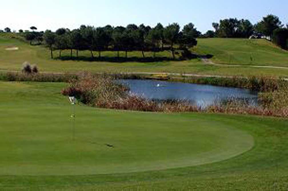 https://golftravelpeople.com/wp-content/uploads/2019/04/Castro-Marim-Golf-Club-4.jpg