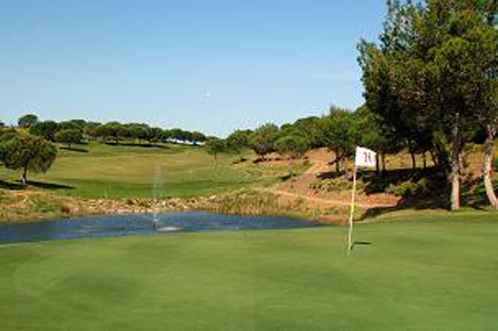 https://golftravelpeople.com/wp-content/uploads/2019/04/Castro-Marim-Golf-Club-5.jpg