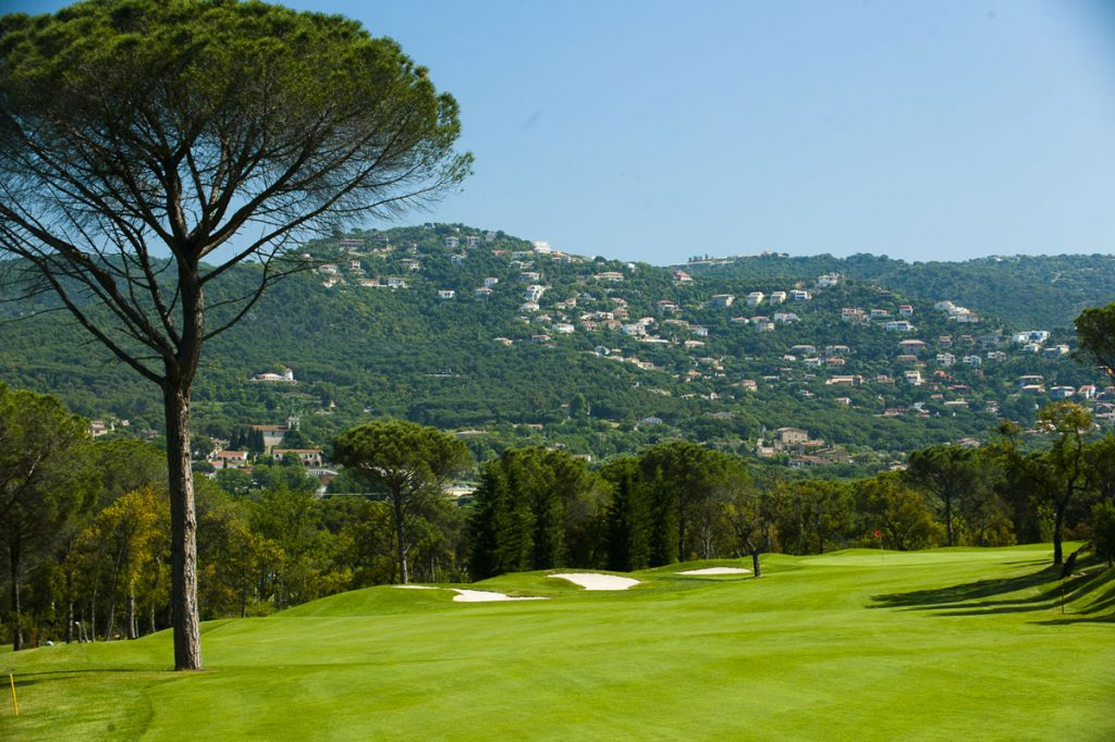 https://golftravelpeople.com/wp-content/uploads/2019/04/Club-de-Golf-Costa-Brava-10-1024x682.jpg
