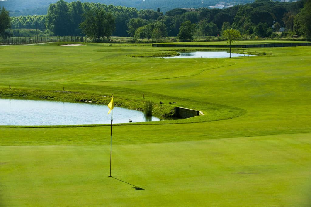 https://golftravelpeople.com/wp-content/uploads/2019/04/Club-de-Golf-Costa-Brava-12-1024x682.jpg