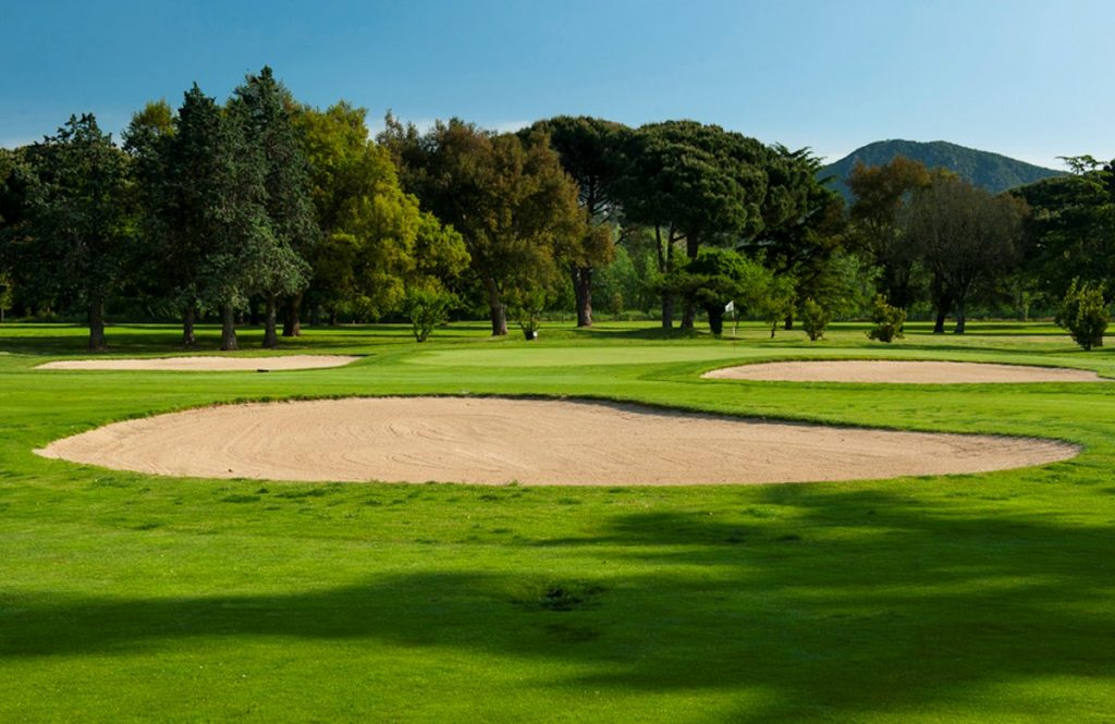 https://golftravelpeople.com/wp-content/uploads/2019/04/Club-de-Golf-Costa-Brava-2-1024x665.jpg