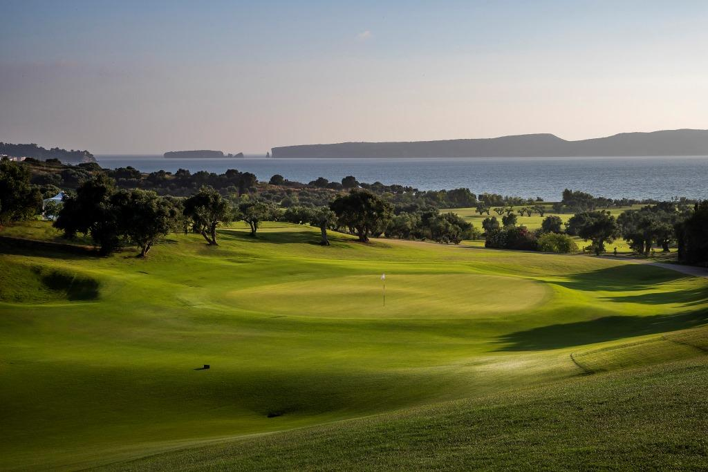 https://golftravelpeople.com/wp-content/uploads/2019/04/Costa-Navarino-Golf-Club-The-Bay-Course-10.jpg