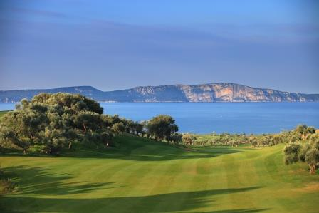 https://golftravelpeople.com/wp-content/uploads/2019/04/Costa-Navarino-Golf-The-Bay-Course-7.jpg