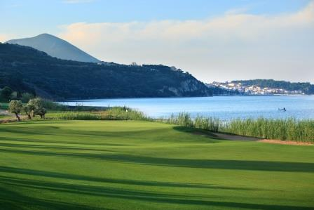 https://golftravelpeople.com/wp-content/uploads/2019/04/Costa-Navarino-Golf-The-Bay-Course-9.jpg