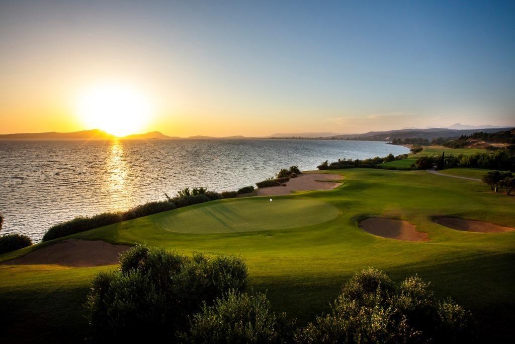 https://golftravelpeople.com/wp-content/uploads/2019/04/Costa-Navarino-Golf-The-Bay-Course-LowRes-6-1024x683.jpg