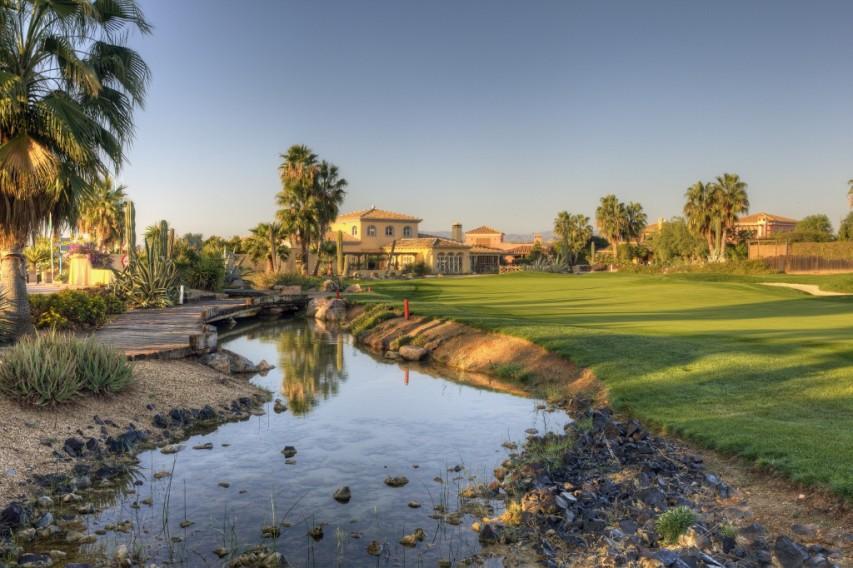 https://golftravelpeople.com/wp-content/uploads/2019/04/Desert-Springs-Golf-Club-1.jpg