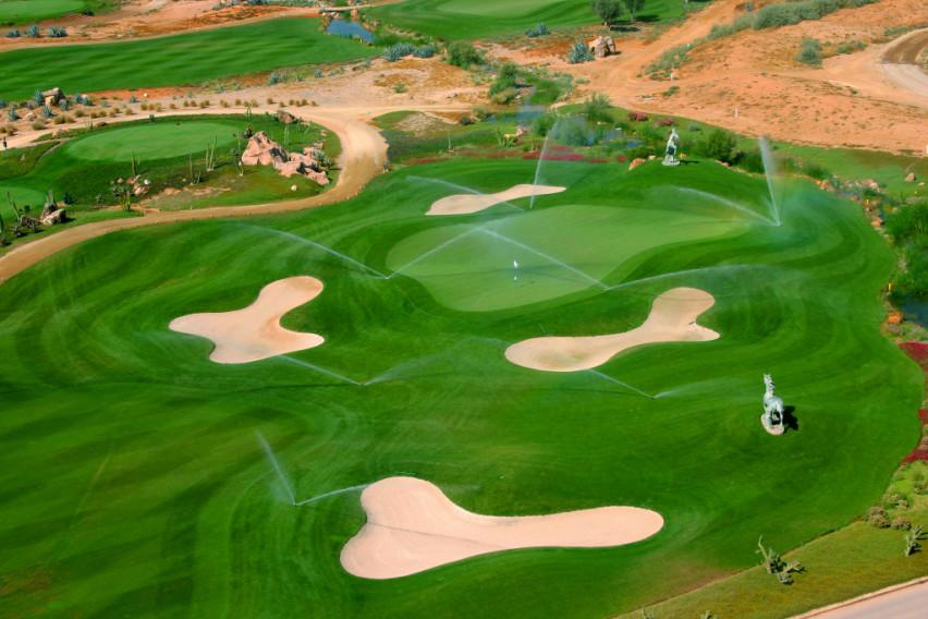 https://golftravelpeople.com/wp-content/uploads/2019/04/Desert-Springs-Golf-Club-2.jpg