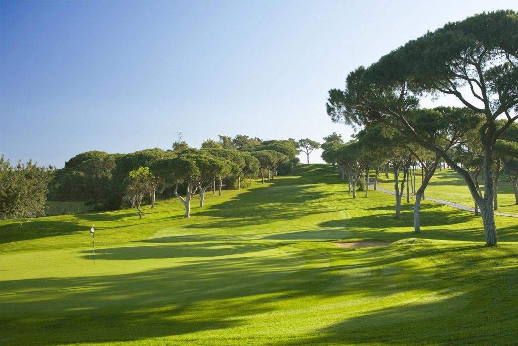 https://golftravelpeople.com/wp-content/uploads/2019/04/Dom-Pedro-Vilamoura-Old-Course-11-1024x683.jpg