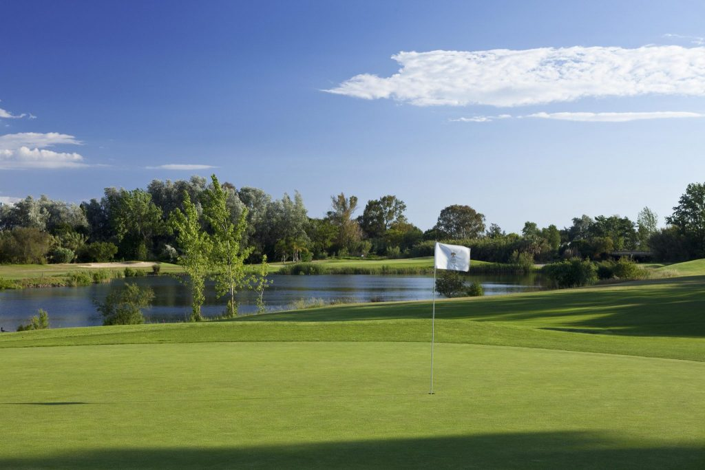 https://golftravelpeople.com/wp-content/uploads/2019/04/Dom-Pedro-Vilamoura-Pinhal-Course-4-1024x683.jpg