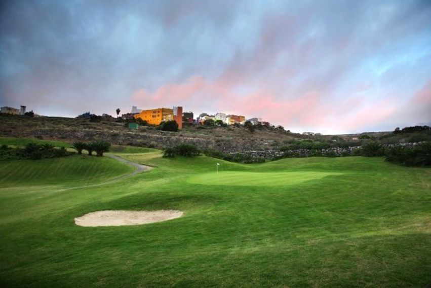 https://golftravelpeople.com/wp-content/uploads/2019/04/El-Cortijo-Club-de-Campo-Gran-Canaria-10-2.jpg