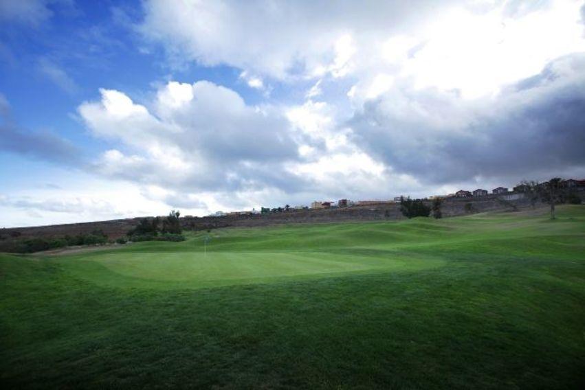 https://golftravelpeople.com/wp-content/uploads/2019/04/El-Cortijo-Club-de-Campo-Gran-Canaria-10-4.jpg
