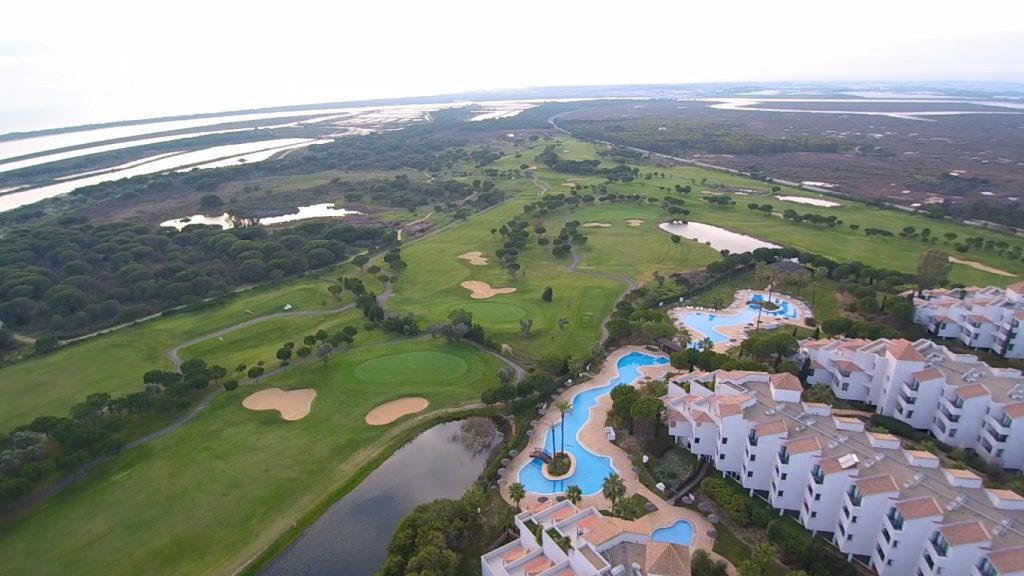 https://golftravelpeople.com/wp-content/uploads/2019/04/El-Rompido-Golf-Club-New-3-1024x576.jpg