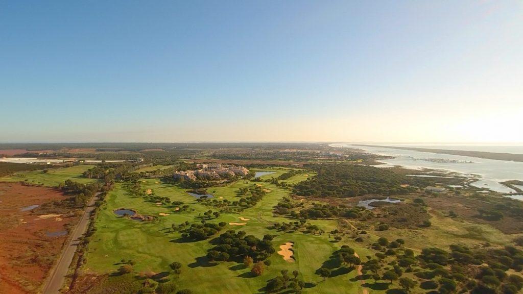 https://golftravelpeople.com/wp-content/uploads/2019/04/El-Rompido-Golf-Club-New-4-1024x576.jpg