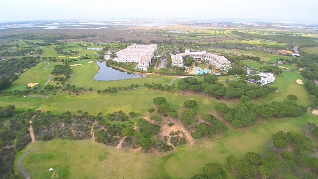 https://golftravelpeople.com/wp-content/uploads/2019/04/El-Rompido-Golf-Club-New-5-1024x576.jpg