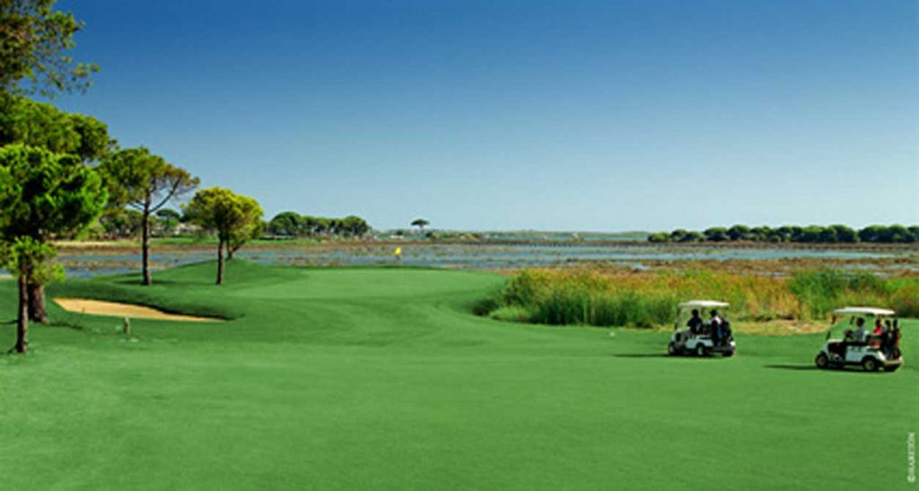 https://golftravelpeople.com/wp-content/uploads/2019/04/El-Rompido-Golf-Club-South-Course-6-1024x547.jpg