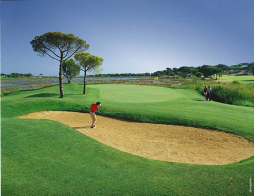https://golftravelpeople.com/wp-content/uploads/2019/04/El-Rompido-Golf-Club-South-Course-8.jpg