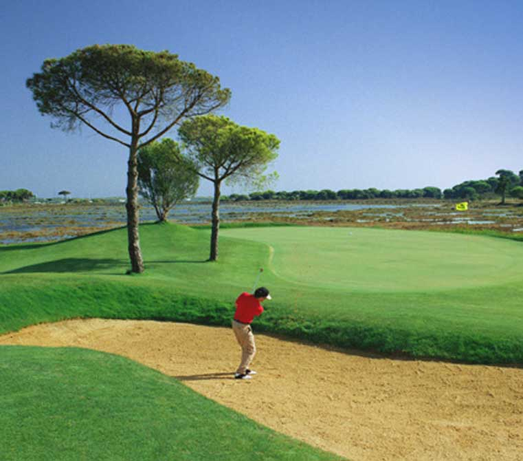 https://golftravelpeople.com/wp-content/uploads/2019/04/El-Rompido-Golf-Club-South-Course-9.jpg