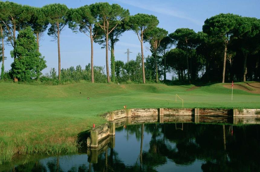 https://golftravelpeople.com/wp-content/uploads/2019/04/Emporda-Golf-Club-Forest-Course-3.jpg