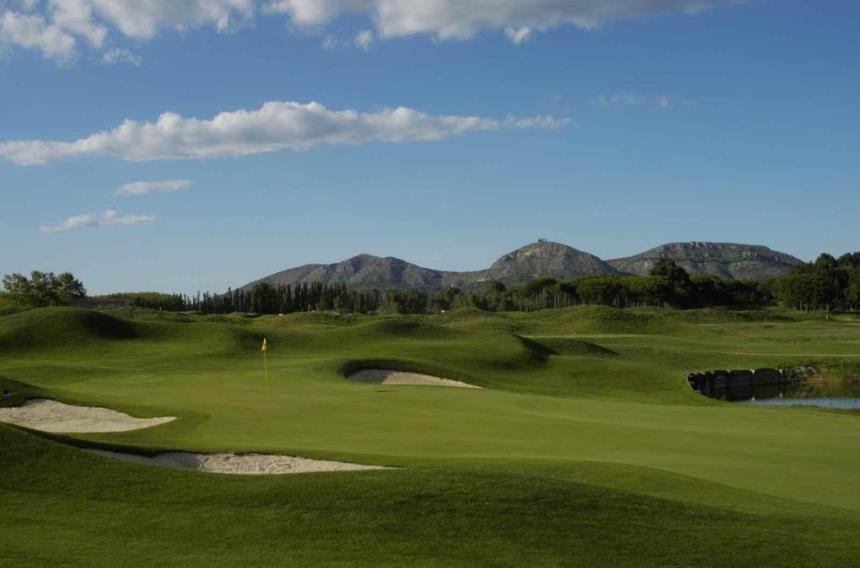 https://golftravelpeople.com/wp-content/uploads/2019/04/Emporda-Golf-Club-Forest-Course-4.jpg
