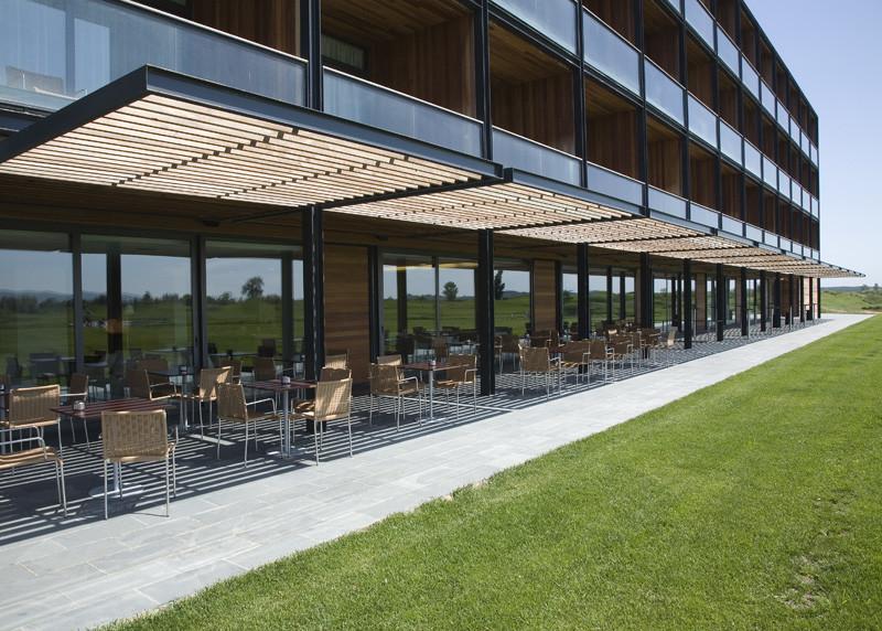 https://golftravelpeople.com/wp-content/uploads/2019/04/Emporda-Golf-and-Spa-Resort-Hotel-1.jpg