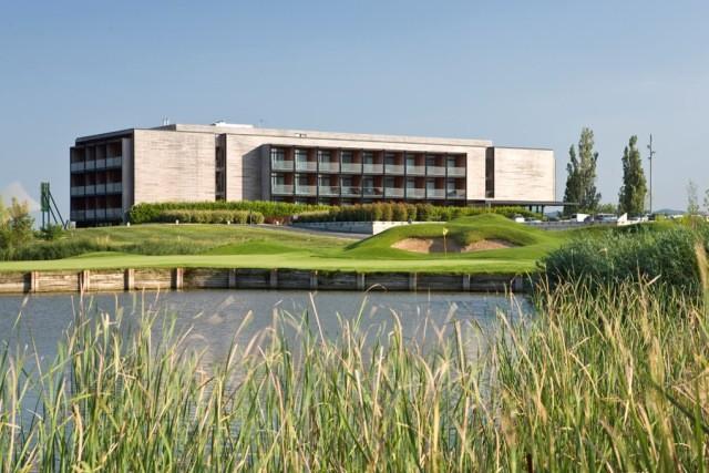 https://golftravelpeople.com/wp-content/uploads/2019/04/Emporda-Golf-and-Spa-Resort-Hotel-5.jpg