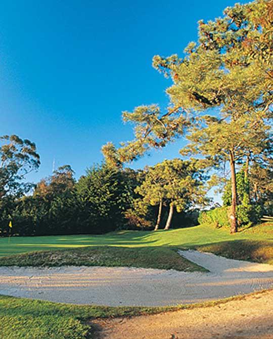 https://golftravelpeople.com/wp-content/uploads/2019/04/Estoril-Golf-Club-4.jpg