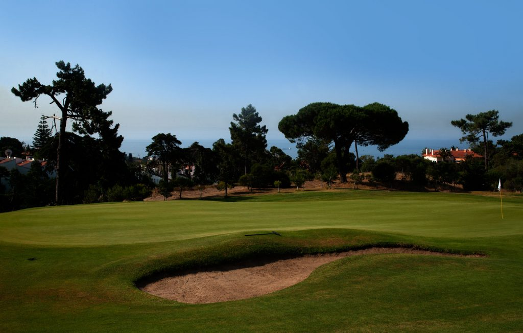 https://golftravelpeople.com/wp-content/uploads/2019/04/Estoril-Golf-Club-Lisbon-3-1024x652.jpg