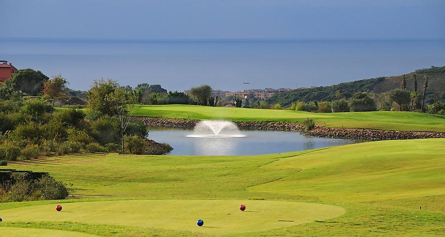 https://golftravelpeople.com/wp-content/uploads/2019/04/Finca-Cortesin-10.jpg