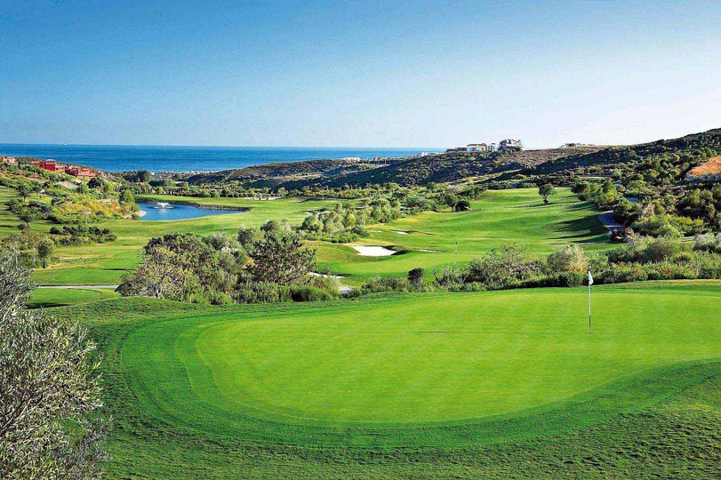 https://golftravelpeople.com/wp-content/uploads/2019/04/Finca-Cortesin-2.jpg