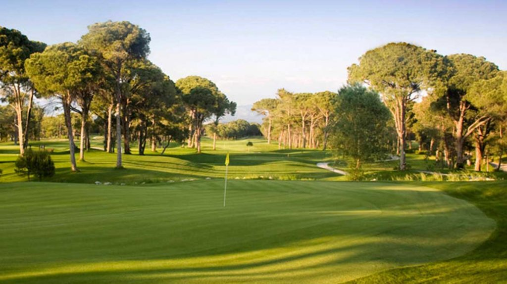https://golftravelpeople.com/wp-content/uploads/2019/04/Gloria-Golf-Club-13-1024x574.jpg