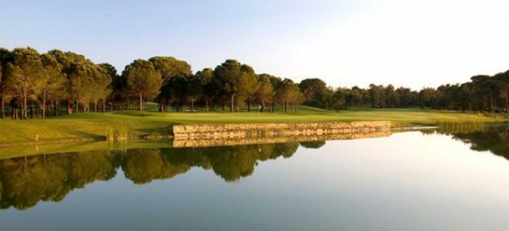 https://golftravelpeople.com/wp-content/uploads/2019/04/Gloria-Golf-Club-6-1024x465.jpg