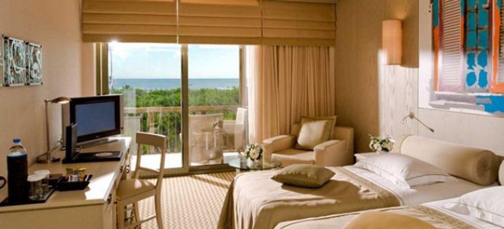 https://golftravelpeople.com/wp-content/uploads/2019/04/Gloria-Golf-Resort-Hotel-5-1024x465.jpg