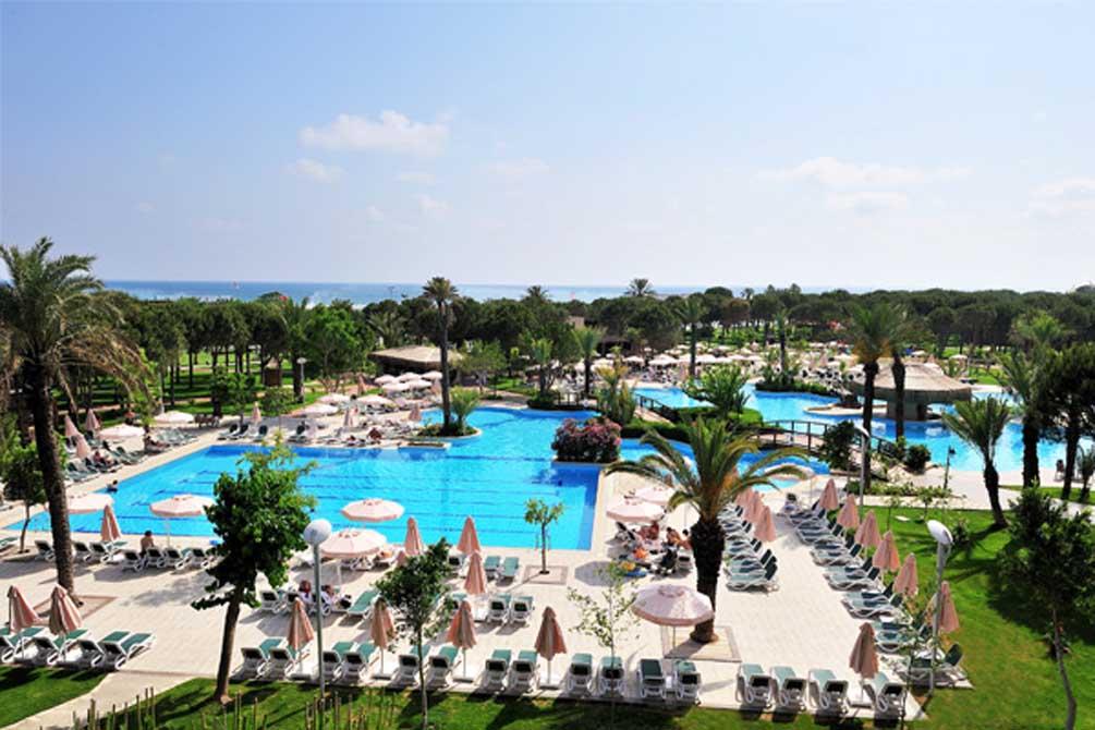 https://golftravelpeople.com/wp-content/uploads/2019/04/Gloria-Golf-Resort-Hotel-7.jpg