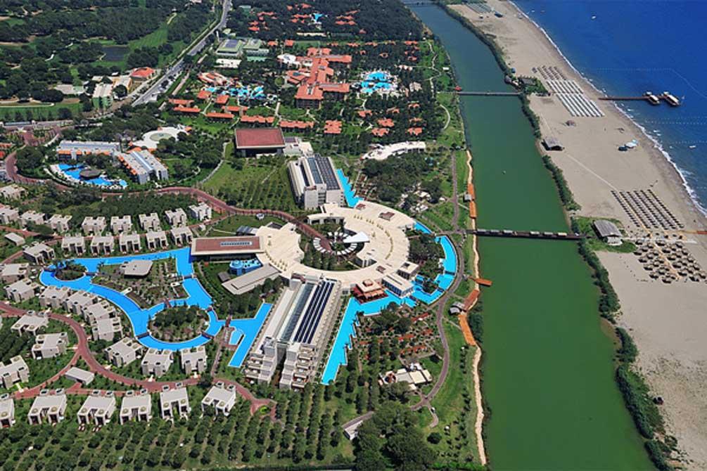 https://golftravelpeople.com/wp-content/uploads/2019/04/Gloria-Serenity-Resort-7.jpg