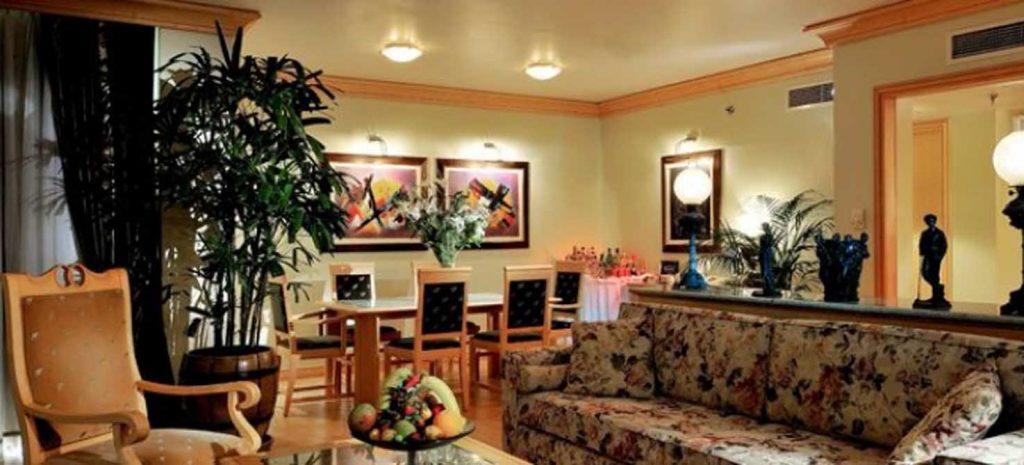 https://golftravelpeople.com/wp-content/uploads/2019/04/Gloria-Verde-Resort-1-1024x465.jpg