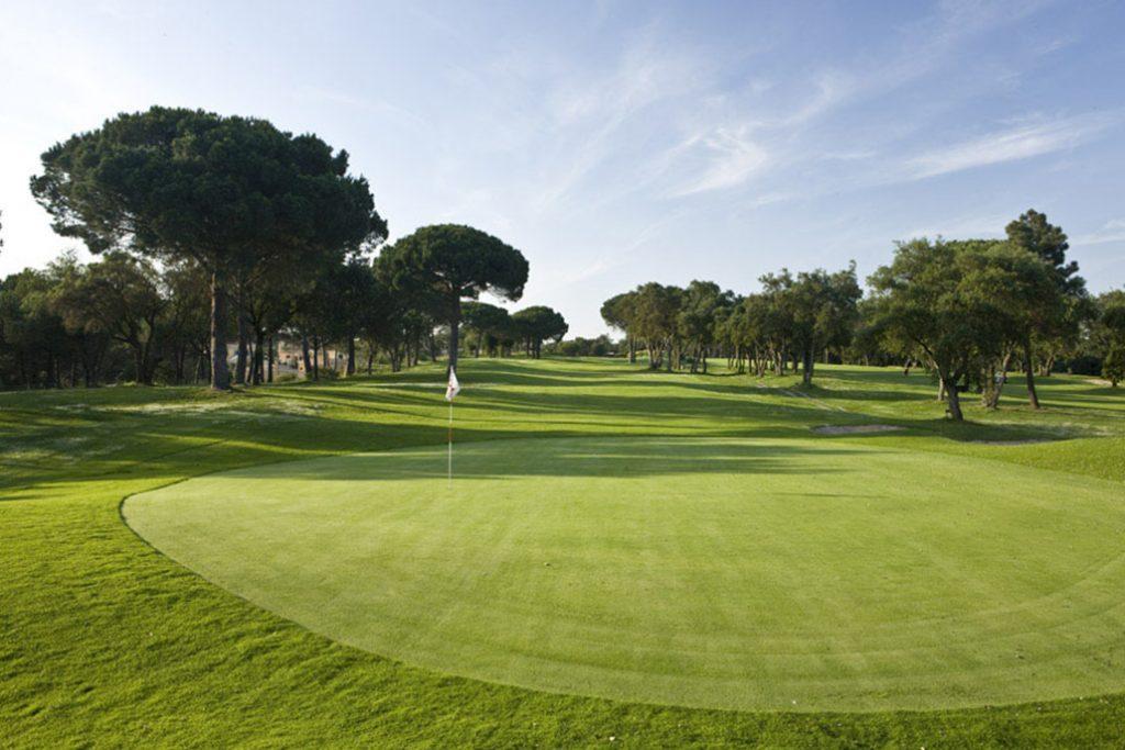 https://golftravelpeople.com/wp-content/uploads/2019/04/Golf-Girona-Costa-Brava-3-1024x683.jpg