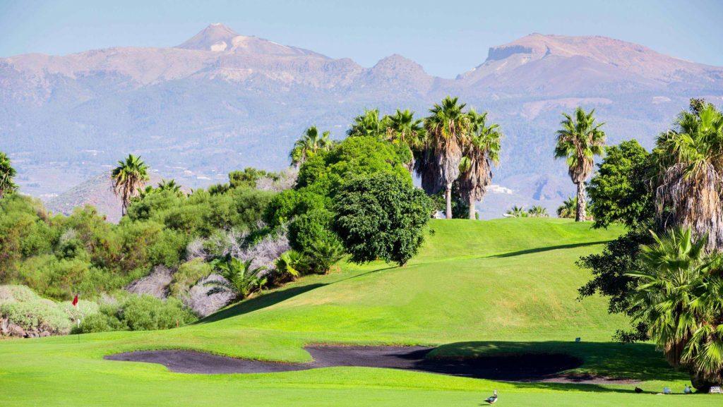 https://golftravelpeople.com/wp-content/uploads/2019/04/Golf-del-Sur-Tenerife-1-1024x577.jpg