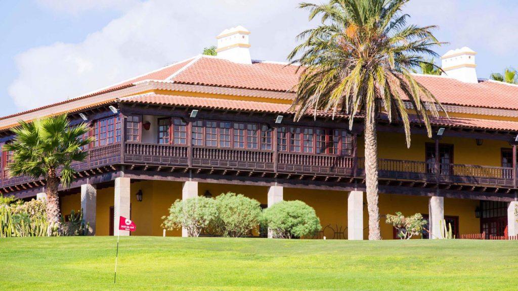 https://golftravelpeople.com/wp-content/uploads/2019/04/Golf-del-Sur-Tenerife-10-1024x576.jpg