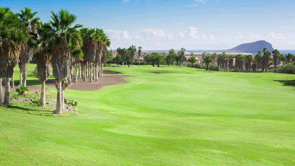 https://golftravelpeople.com/wp-content/uploads/2019/04/Golf-del-Sur-Tenerife-11-1024x576.jpg