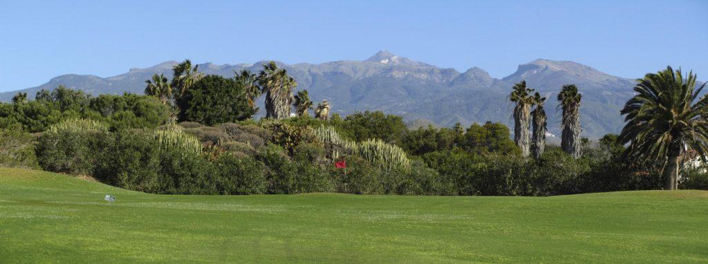 https://golftravelpeople.com/wp-content/uploads/2019/04/Golf-del-Sur-Tenerife-13-1024x382.jpg
