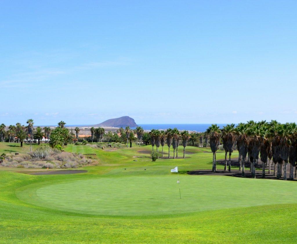https://golftravelpeople.com/wp-content/uploads/2019/04/Golf-del-Sur-Tenerife-15-1024x841.jpg