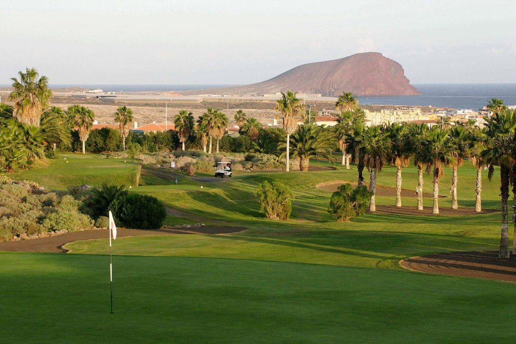 https://golftravelpeople.com/wp-content/uploads/2019/04/Golf-del-Sur-Tenerife-16-1024x683.jpg